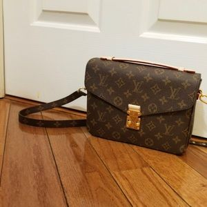 NEW Crossbody purse